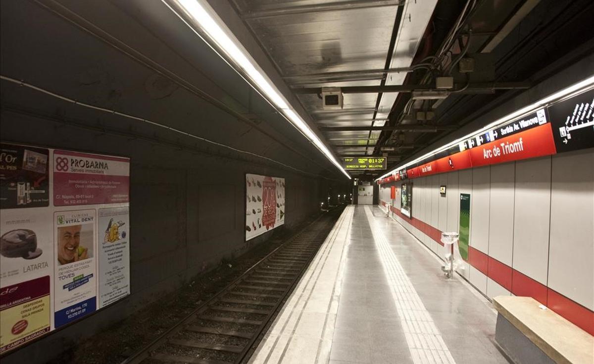 La estación de metro de Arc de Triomf.
