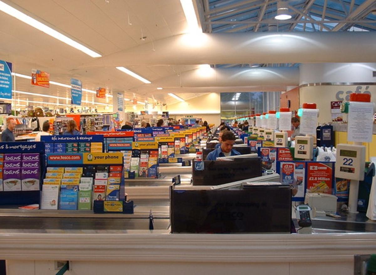 Un supermercado de la cadena Tesco en el Reino Unido.