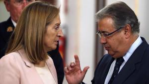 Con esta reflexión Zoido se ha referido,a la decisión adoptada ayer por la juez de la Audiencia Nacional, Carmen Lamela.