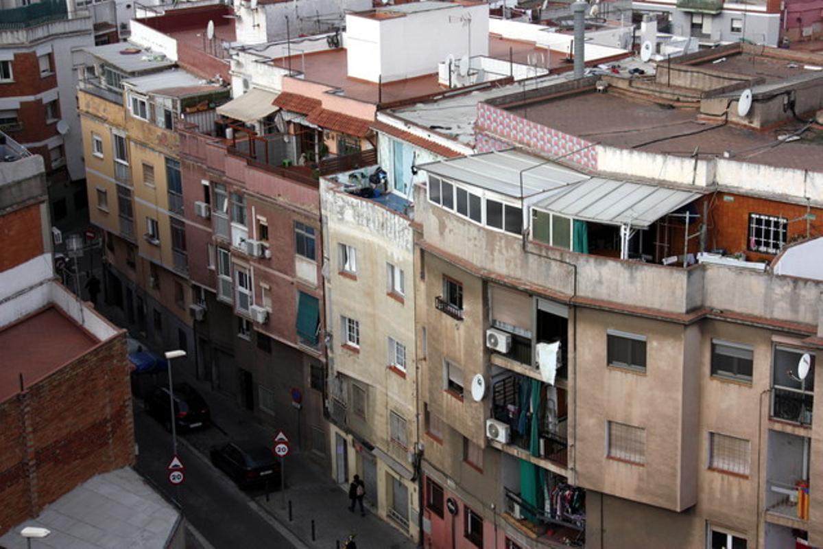 Vista aérea de la calle Pirineus en Santa Coloma de Gramenet.