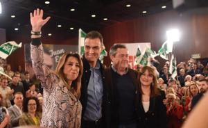 Susana Diaz y Pedro Sánchez, en un acto en Sevilla junto al alcalde Juan Espadas.