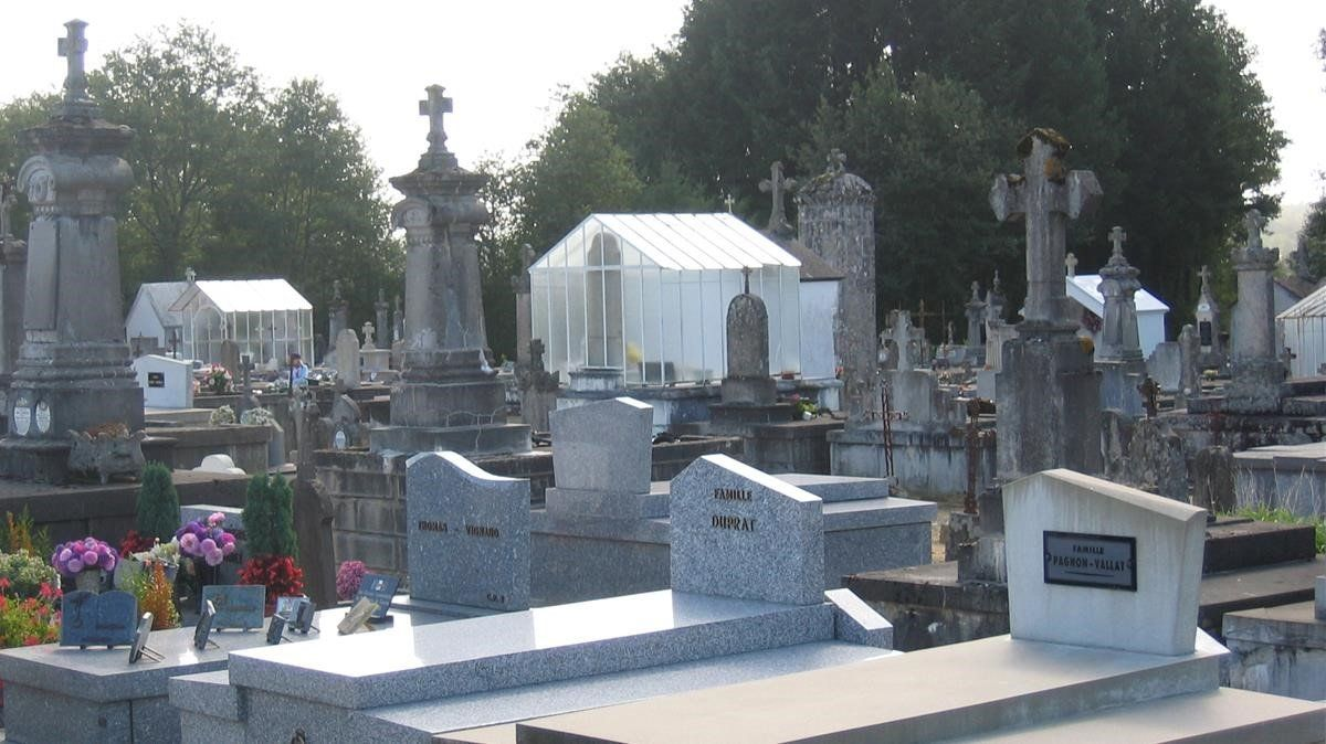 Cementerio de la localidad francesa de Oradour-sur-Glane.
