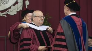 Mas-Colell, investido doctor honoris causa por la Universidad de Chicago.