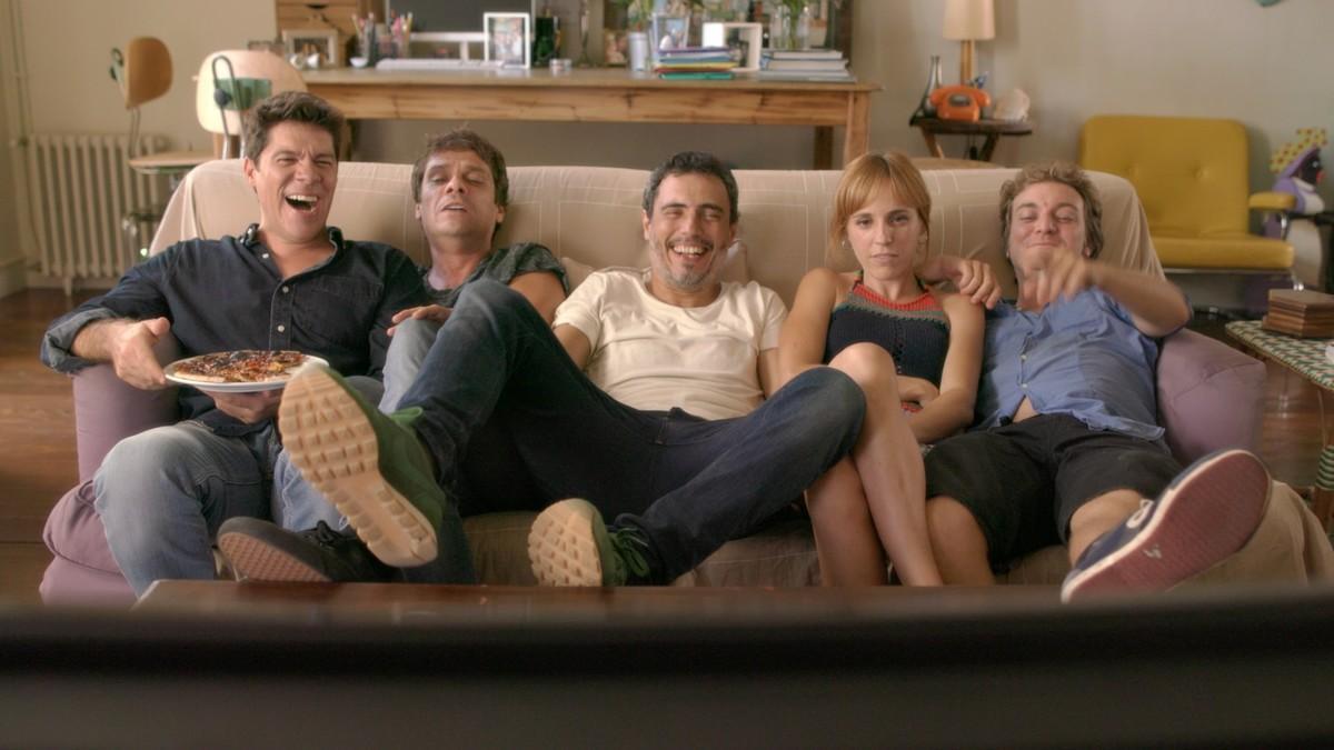 Ivan Benet, Marc Rodríguez, Julio Manrique, Sara Espígul y Pol López, en una imagen de la segunda temporada de 'El crac'.