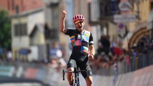 Tots pendents de Simon Yates al Giro
