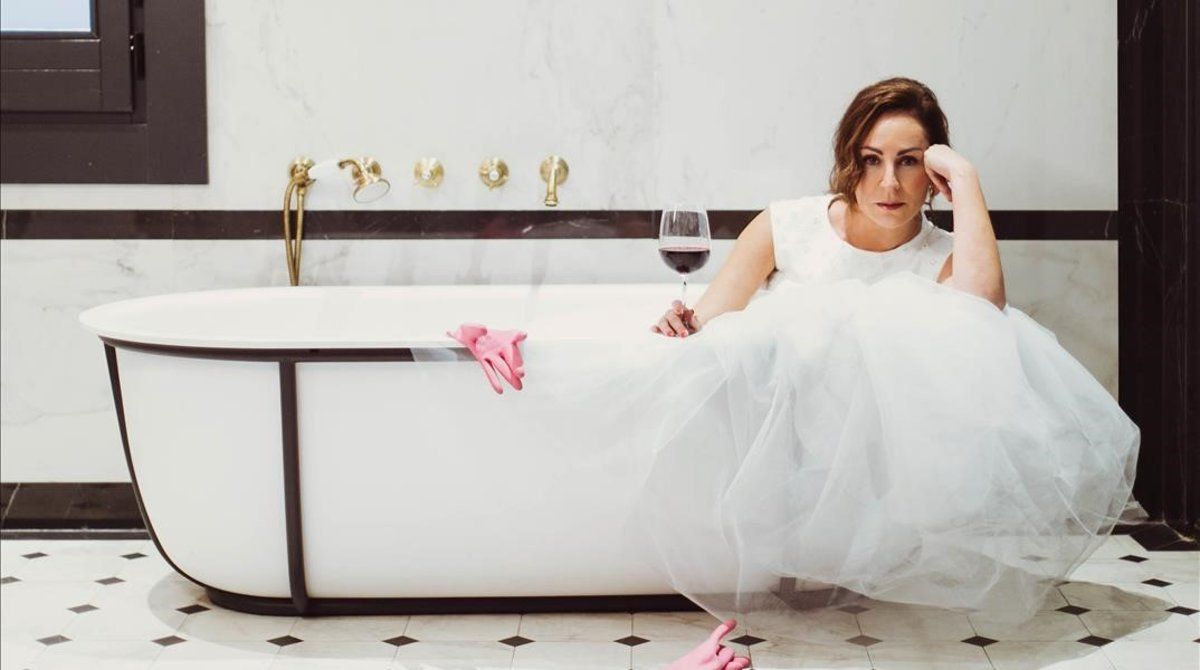 La actriz Ana Milán, en una escena de la serie 'By Ana Milán'.