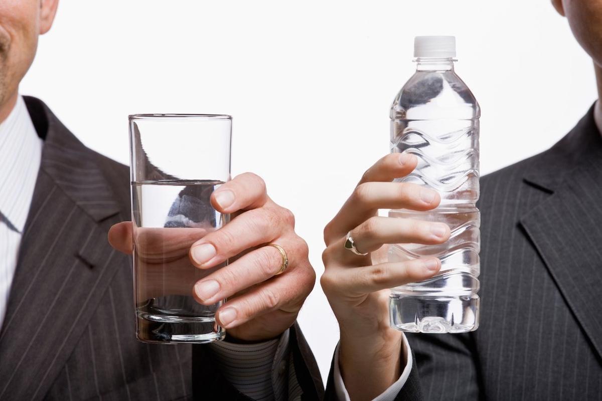 Agua embotellada vs. agua del grifo