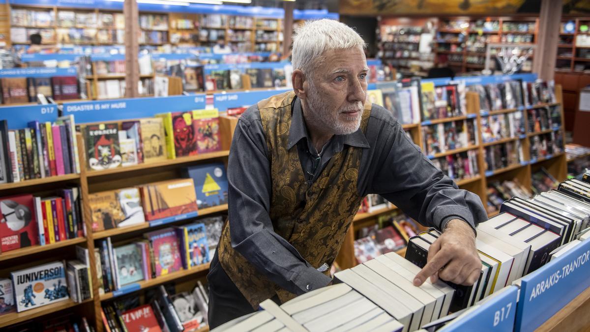 La editorial Gigamesh rompe con las reglas del negocio del libro y pasa a la venta directa