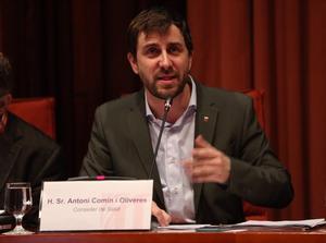 El 'conseller' de Salut, Antoni Comín, en el Parlament.