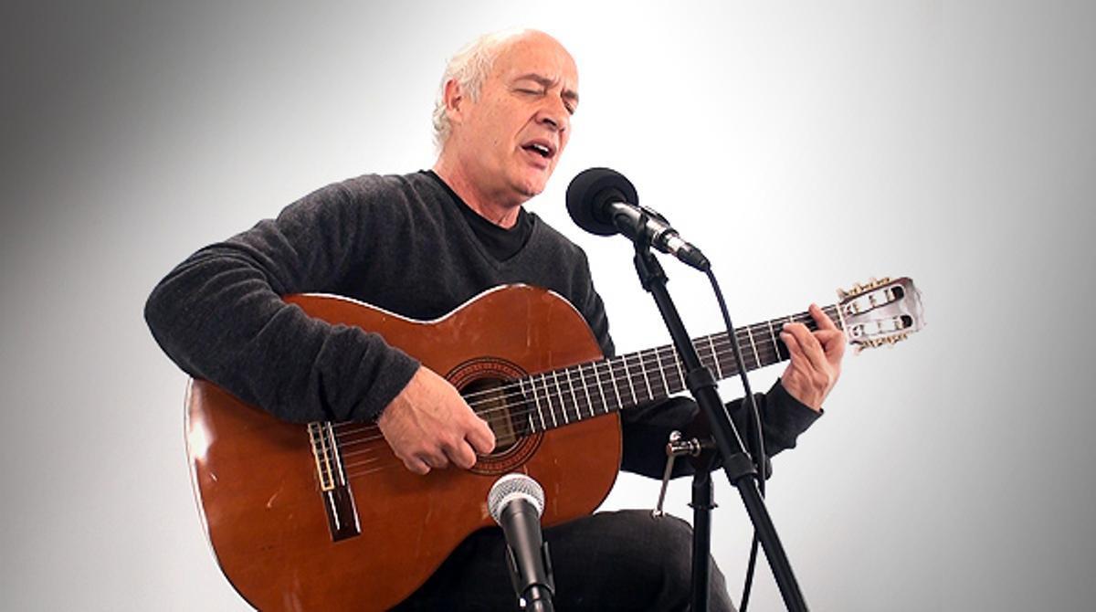 El cantautor catalán interpreta 'A Margalida'