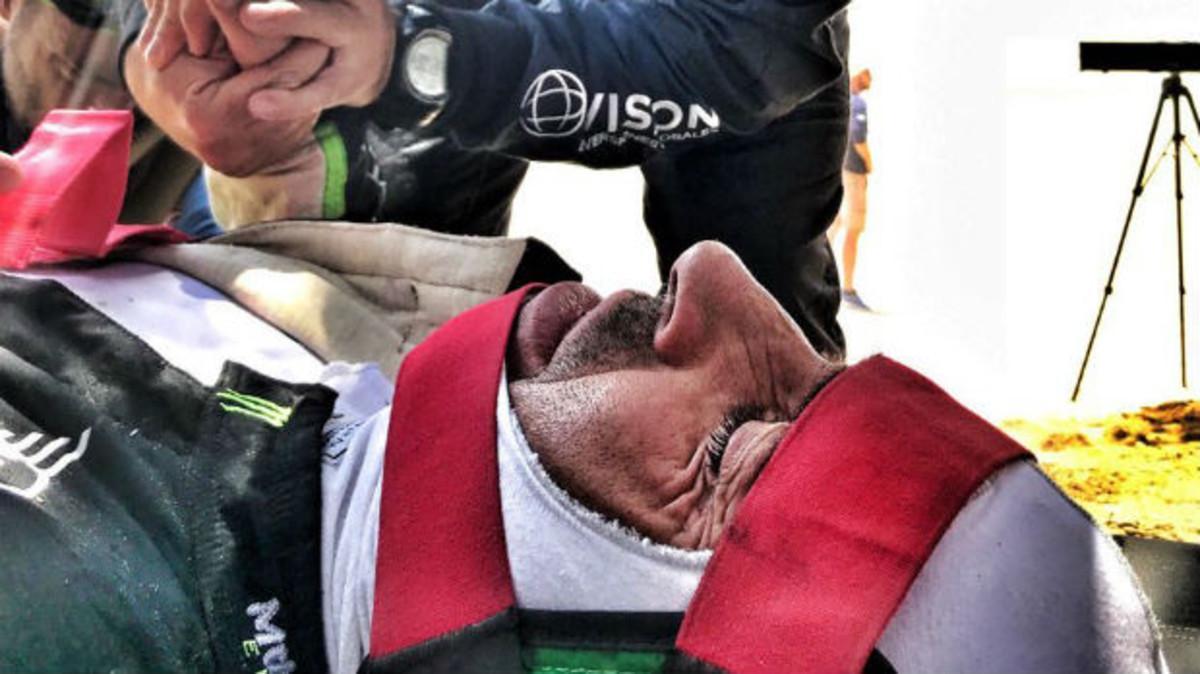 Nani Roma, tras el accidente en el Dakar.