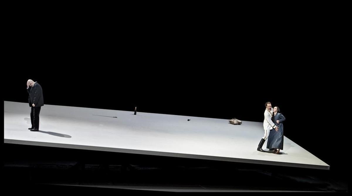 Lundgren (Simone), Schukoff (Guido Bardi)y Stundyte (Bianca), en 'Eine Florentinische Tragödie', de Zemlinsky, en la Ópera Nacional holandesa.