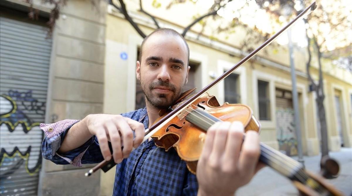 Joel Bardolet con su magnífico violín, un François Pique de 1793 cedido por su profesora.