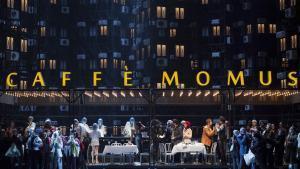 Escena de'La bohème', de Puccini, en lamoderna y suburbial versión de Àlex Olléestrenada en Turín.