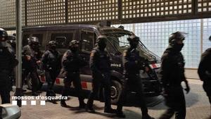 Desmantelado un clan familiar que controlaba parte del tráfico de coca y marihuana en Sants-Montjuïc.