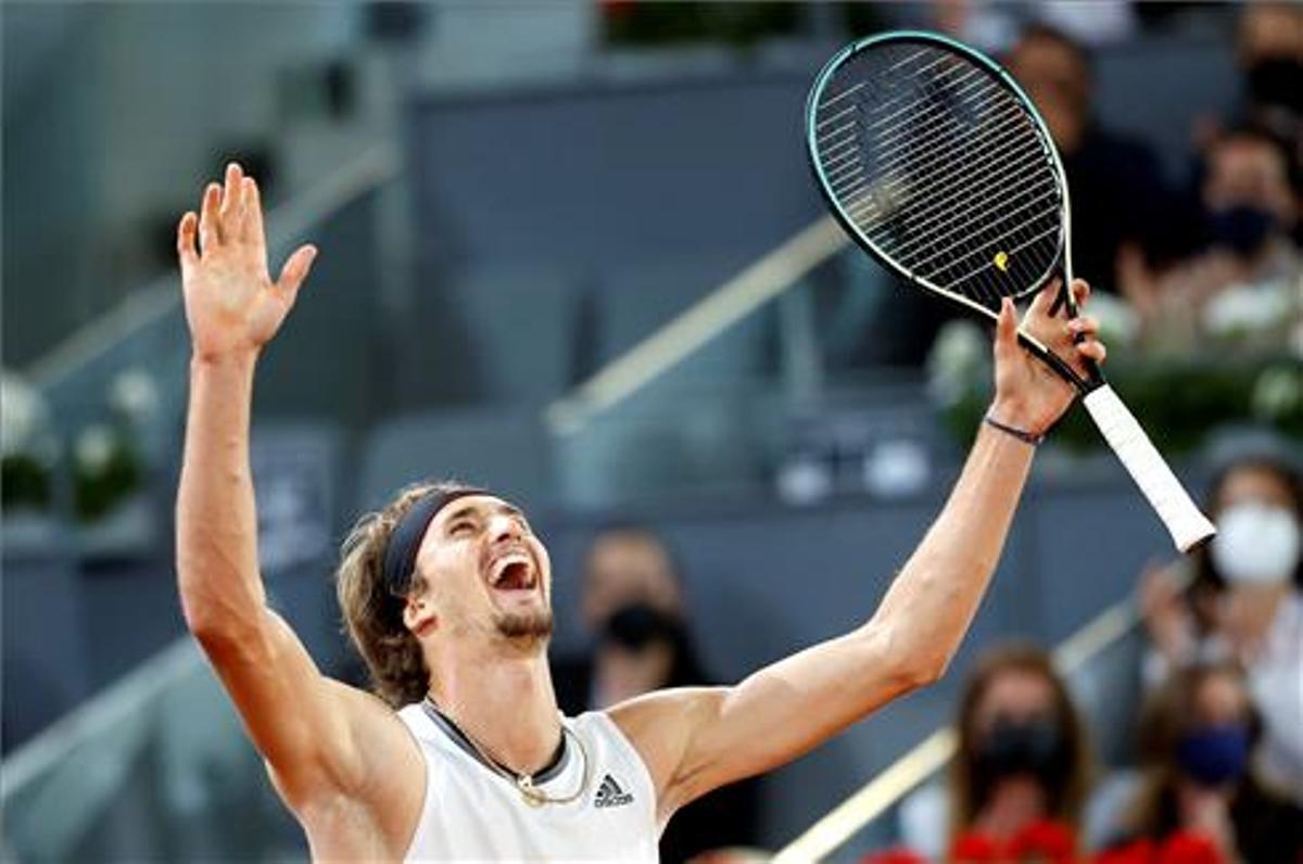 Zverev celebra su victoria en Madrid.