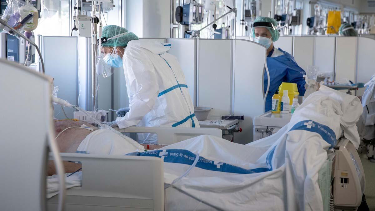 UCI para pacientes con covid en el edificio Garbí del Parc Sanitari Pere Virgili, que depende del Hospital Vall d'Hebron, en Barcelona.