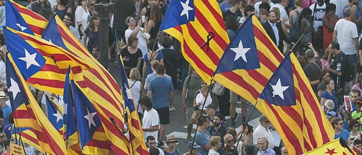 Des del fill del xòfer fins a 120 personalitats catalanes