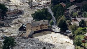 Imagen aérea de los daños provocados por las fuertes lluvias y las inundaciones en Roquebilliere, en el sureste de Francia.