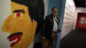 América Sánchez posa en medio de la exposición que le dedica el Palau Robert.