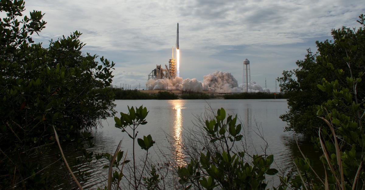 El proyecto de Elon Musk loinaugurael satélite español Paz, construido por la agencia estatal Hisdesat.