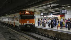 Un tren de Rodalies, en la estación de Sants.