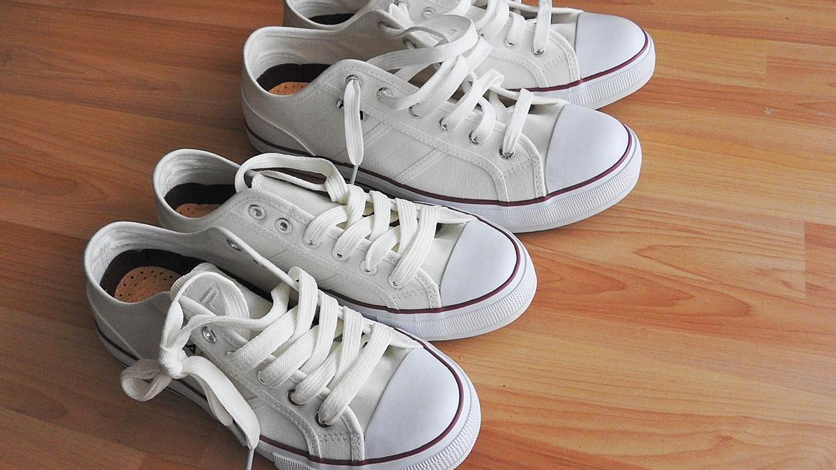 ¿Cómo limpiar las zapatillas blancas? 3 trucos para dejarlas relucientes