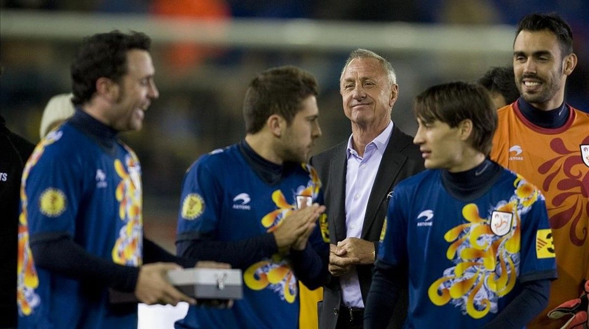 Johan Cruyff, en el Catalunya-Nigeria de enero del 2013, su último partido en un banquillo.