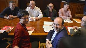 Eva Granados y Miquel Iceta, portavoz y líder del PSC, delante de Rabell y Coscubiela, de Catalunya Sí que es Pot, en el Parlament.