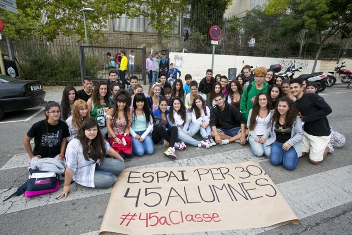Una clase de bachillerato se queja del aumento de alumnos por clase