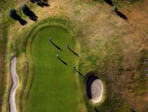 Vista aérea de uno de los hoyos del Club de Golf Terramar, en Sitges.