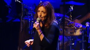 Laura Simó en el homenajea Teresa Rebull,en el Teatre Kursaal, en el marco de laFira Mediterrania-Barnasants.