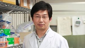 Jun Takahashi, investigador de la Universidad de Kioto especialista en células madre y neurocirugía.