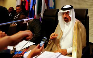 El ministro saudi de Energía, Al-Falih, en unareunión de la OPEP en Viena.