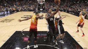 DeMar DeRozan aportó con 26 puntos, ocho asistencias, seis rebotes y dos recuperaciones de balón.