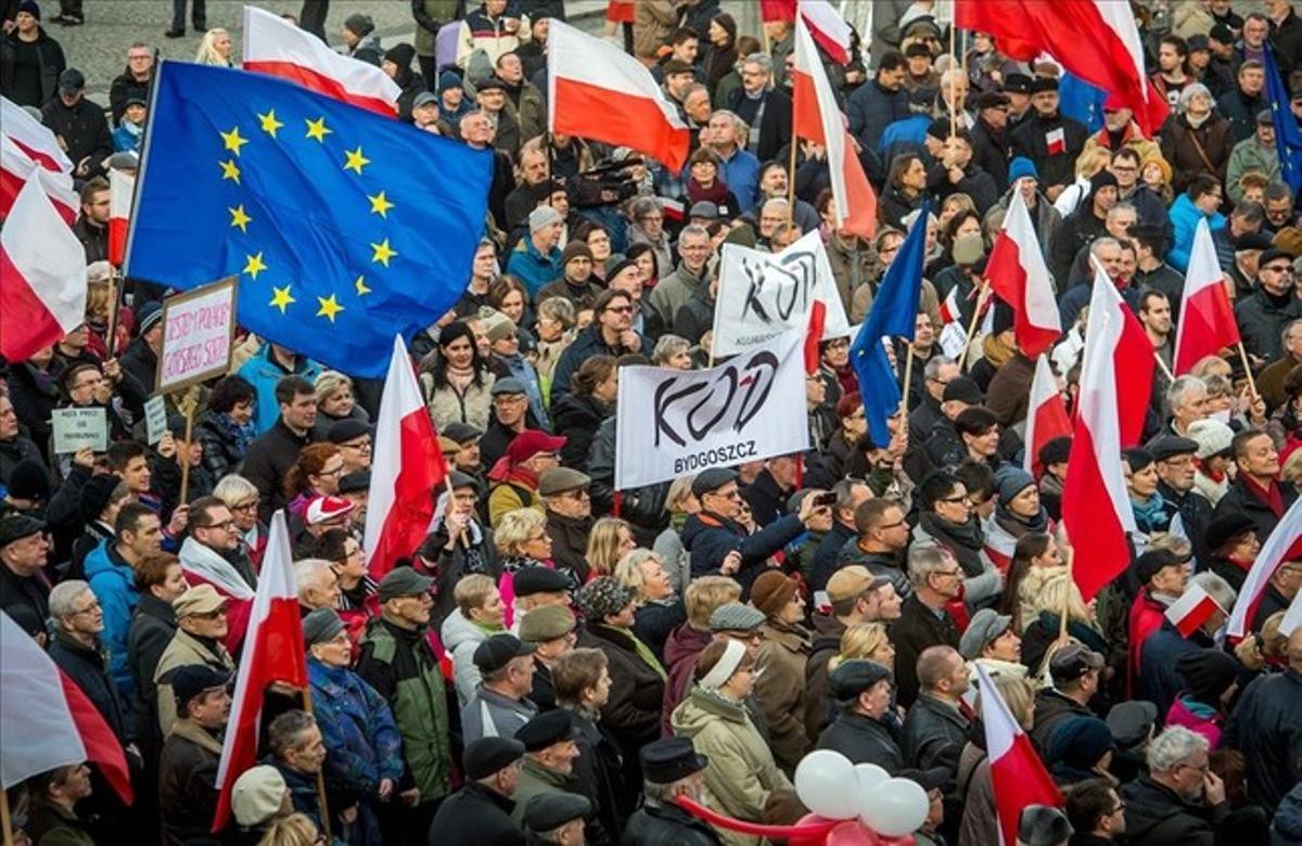 Manifestación contra el Gobierno de Ley y Justicia en la localidad polaca de Bydgoszcz.