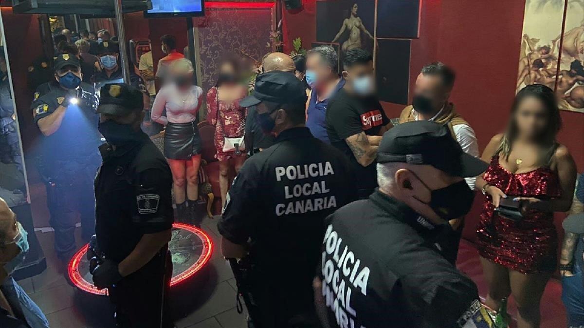 Redada en un club de alterne en Tenerife donde encontraron al jugador de futbol del CD TenerifeAlberto Jiménez, que aparece en la imagen.