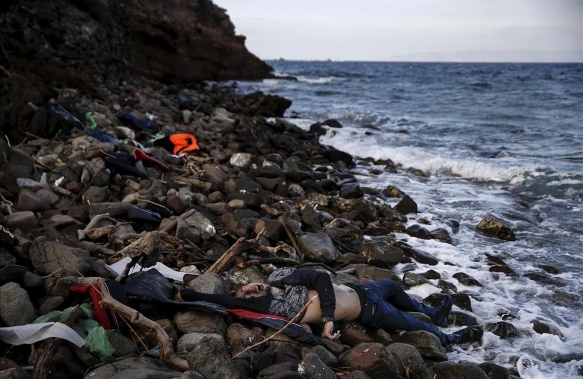PREMIOS PULITZER Llegada de inmigrantes a la isla griega de Lesbos.