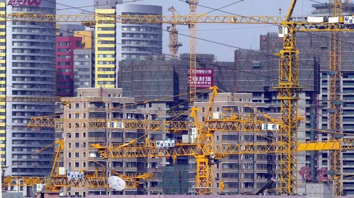 Edificios en construcción en Pekín.