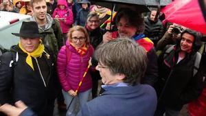 Puigdemont saluda en Waterloo a los participantes de la marcha de la ANC.