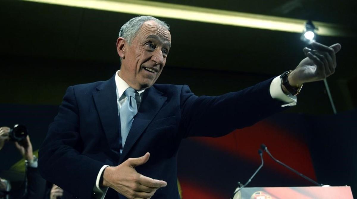 Futuro presidente de Portugal, el conservador Marcel Rebelo de Sousa.