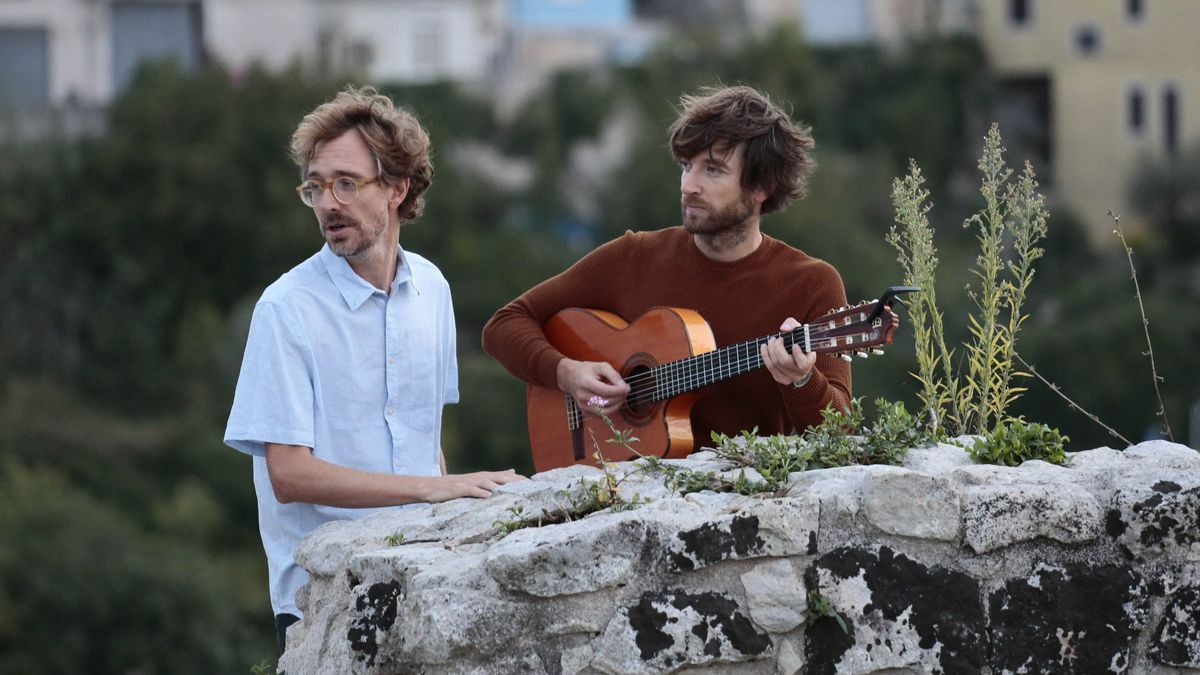 Kings of Convenience, dúo de folk-pop noruego formado por Erlend Øye y Eirik Glambek Bøe (derecha).