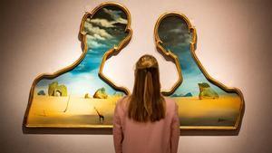 Dos olis surrealistes de Dalí se subhasten per 9 milions d'euros a Londres