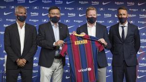 El holandes Ronald Koemanen la foto junto al presidente Bartomeu,el directivo Javier Bordas y el nuevo director deportivo, Ramon Planes.