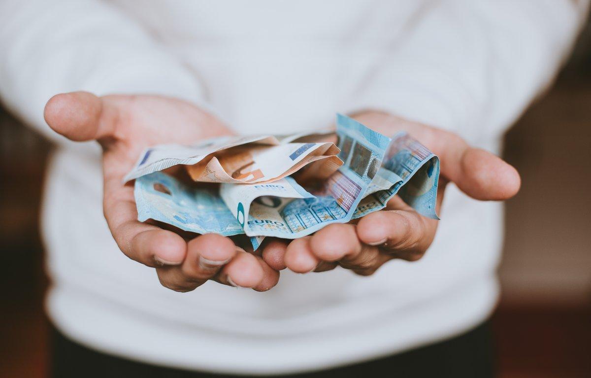 La AiREF propone rediseñar la deducción por planes de pensiones y revisar los tipos de reducidos de IVA