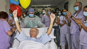 Un despertar «difícil» després de 101 dies ingressat a l'uci pel coronavirus
