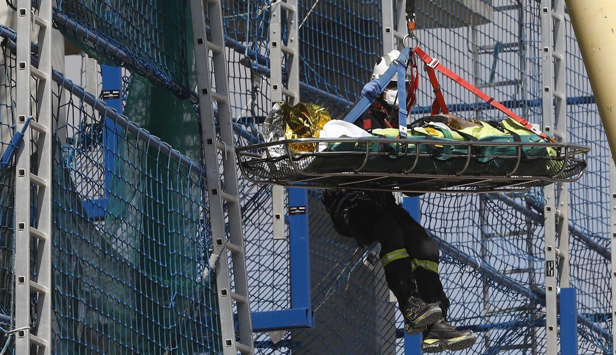 Dos trabajadores, heridos graves en el derrumbe de un edificio en obras en Barcelona