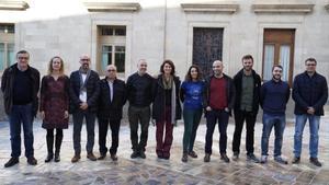 Representantes de los consistorios y las entidades participantes en la asociación, este miércoles en Barcelona.