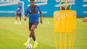 Umtiti regresa a los entrenamientos tras la lesión que sufrió con Francia.