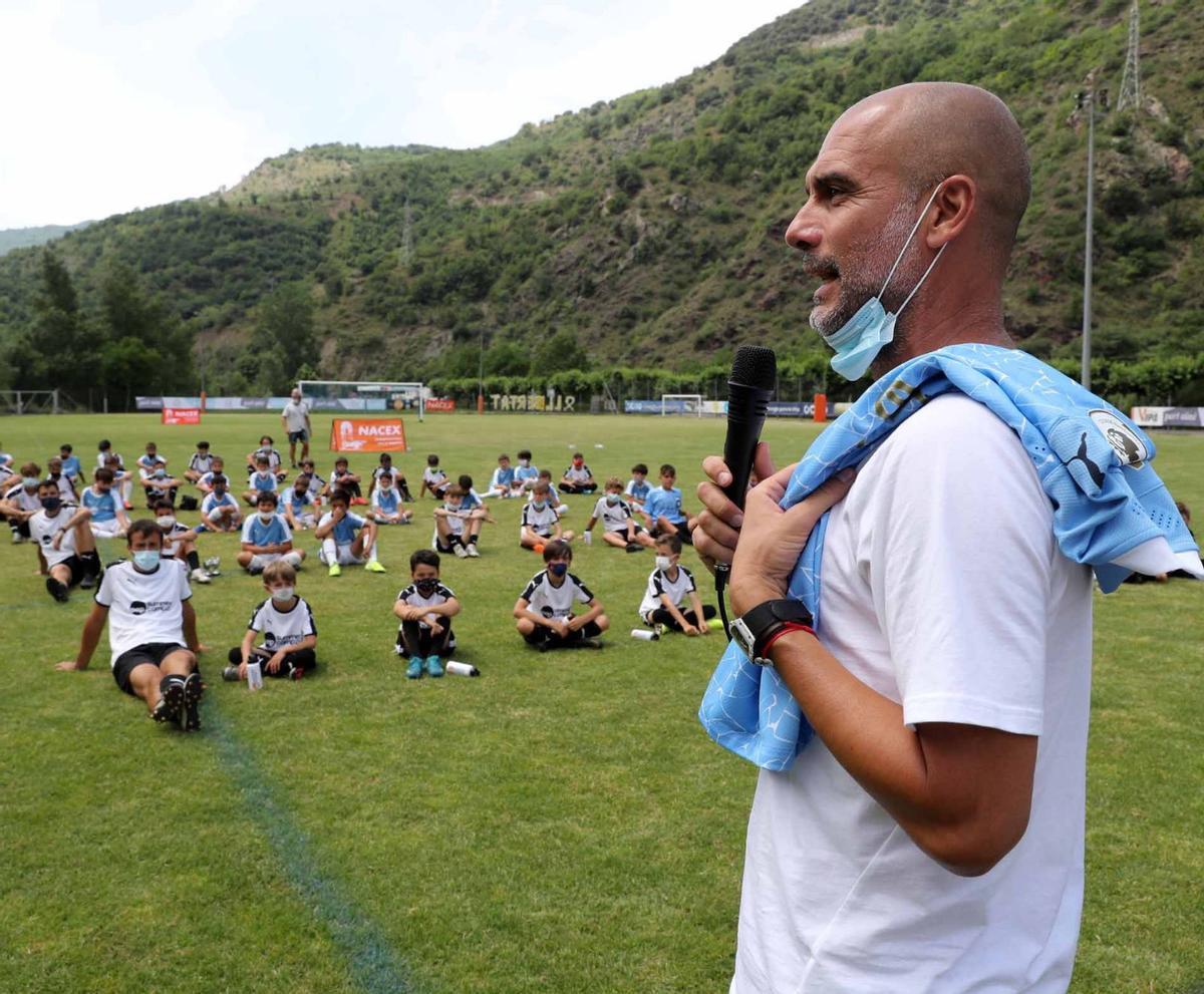 Pep Guardiola, en su campus de Rialp.